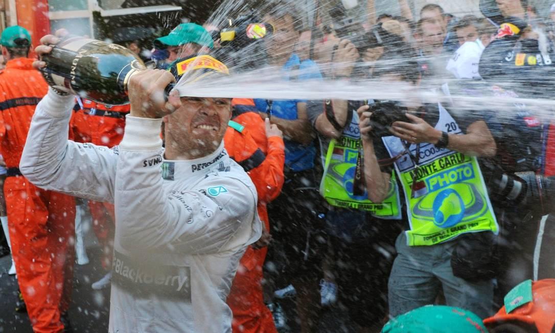 Rosberg comemora a vitória em Mônaco Foto: Tom Gandolfini / AFP