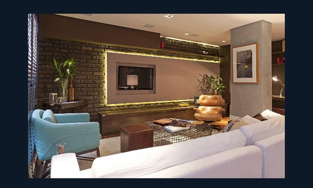 Sala de vinhos. Pensado como um espaço para apreciar bons vinhos, a sala criada por Gustavo Paschoalim mistura rústico e contemporâneo — entre os revestimentos de parede, tijolos e papel imitando aço corten Divulgação