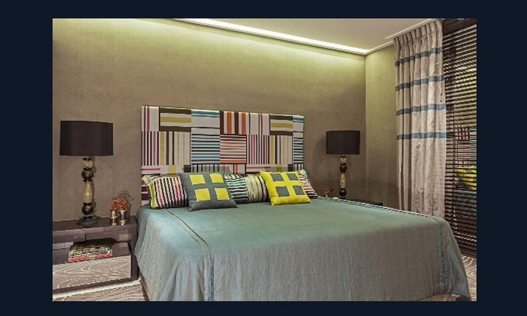 Quarto de hóspedes. Marilia Caetano transforma um pequeno espaço num simpático quarto de hóspedes com tons vibrantes e que inclui uma bancada que une microondas, pia e geladeira Divulgação