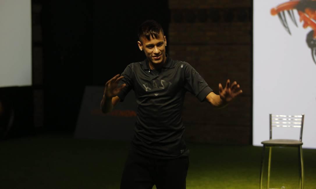 JX Rio de Janeiro(RJ) 28/05/2013 - Lançamento da nova chuteira do jogador Neymar - chuteira hypervenon.Foto Luis Alvarenga/Extra Luis Alvarenga / Agência O Globo