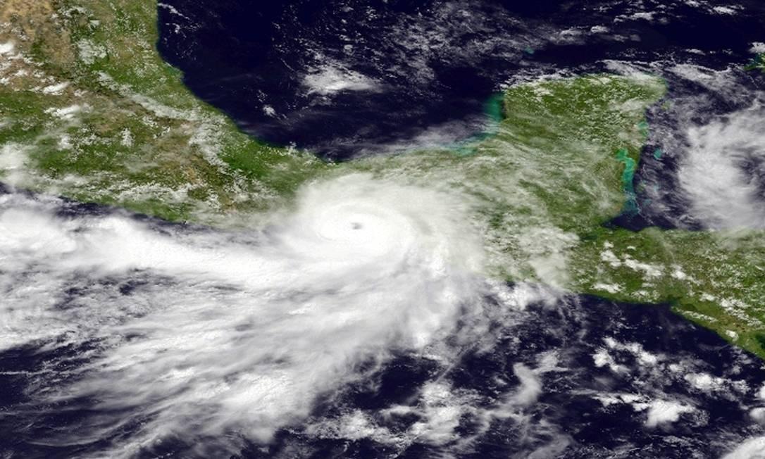 Tempestade tropical Bárbara se tornou um furacão no Pacífico Foto: HO / AFP