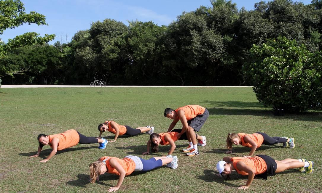 Condicionamento. O treino fisico BOP, criado pelo professor Paulo Lioy tem alto gasto calórico e acontece em espaços ao ar livre Foto: Freelancer / Agência O Globo