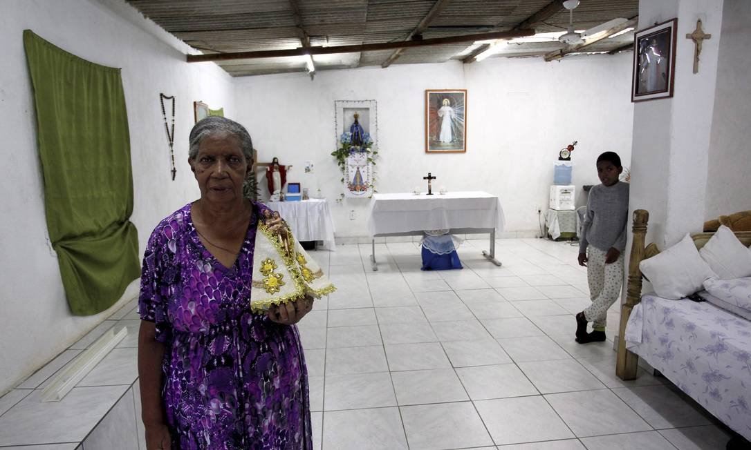 Isolina vai receber oito mulheres em sua casa: ela admite que o espaço é humilde, mas terá muito carinho a dar para os visitantes Foto: Custódio Coimbra / O Globo