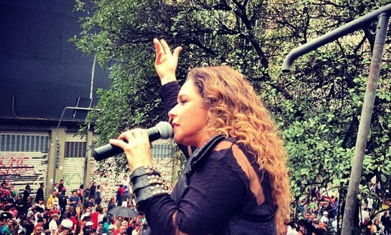 Musa da Parada Gay, Daniela Mercury canta para público em São Paulo Foto: Instagram daniela Mercury