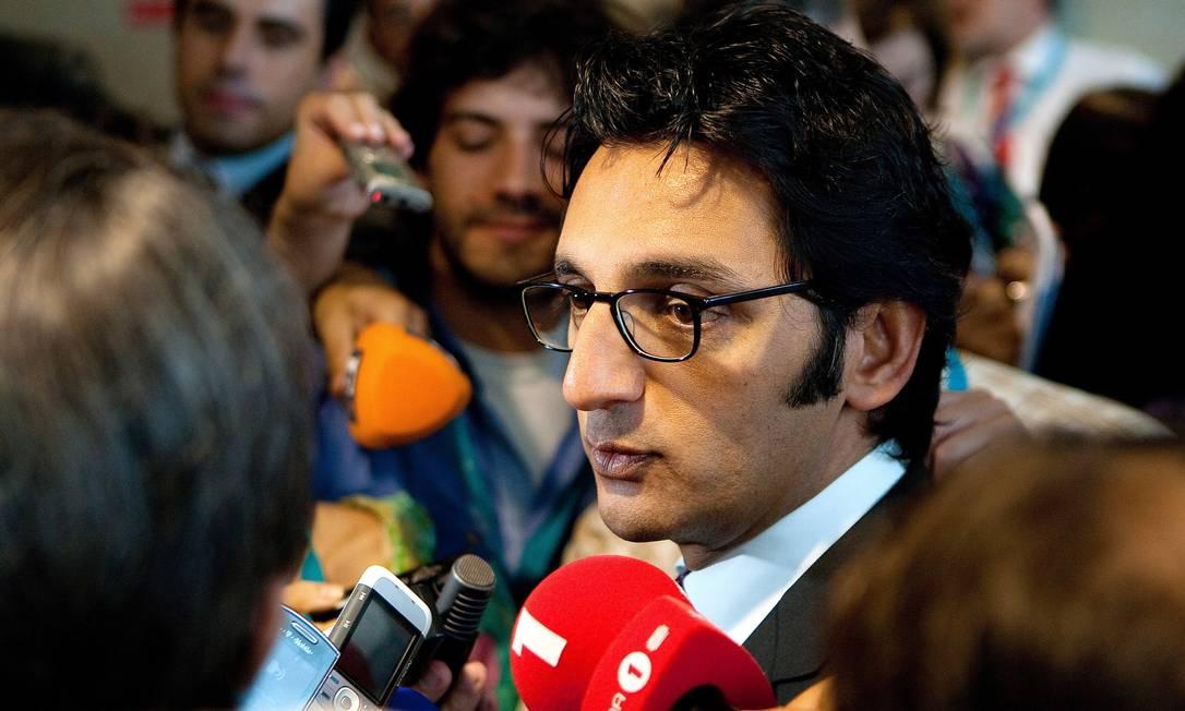 Após quase cinco meses sem presidente, a Oi anunciou na manhã desta terça-feira que Zeinal Bava vai assumir o comando da companhia Foto: Mário Proença / Agência O Globo