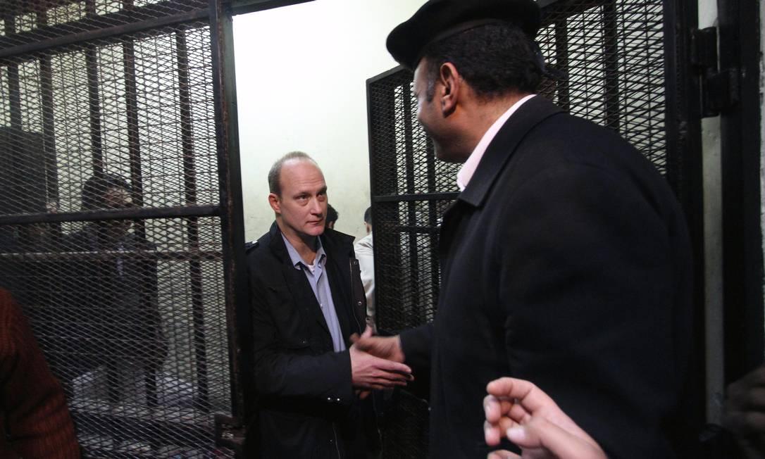 O americano Robert Becker, condenado a dois anos de prisão, foi um dos que optou por permanecer no Egito Foto: Anonymous / AP