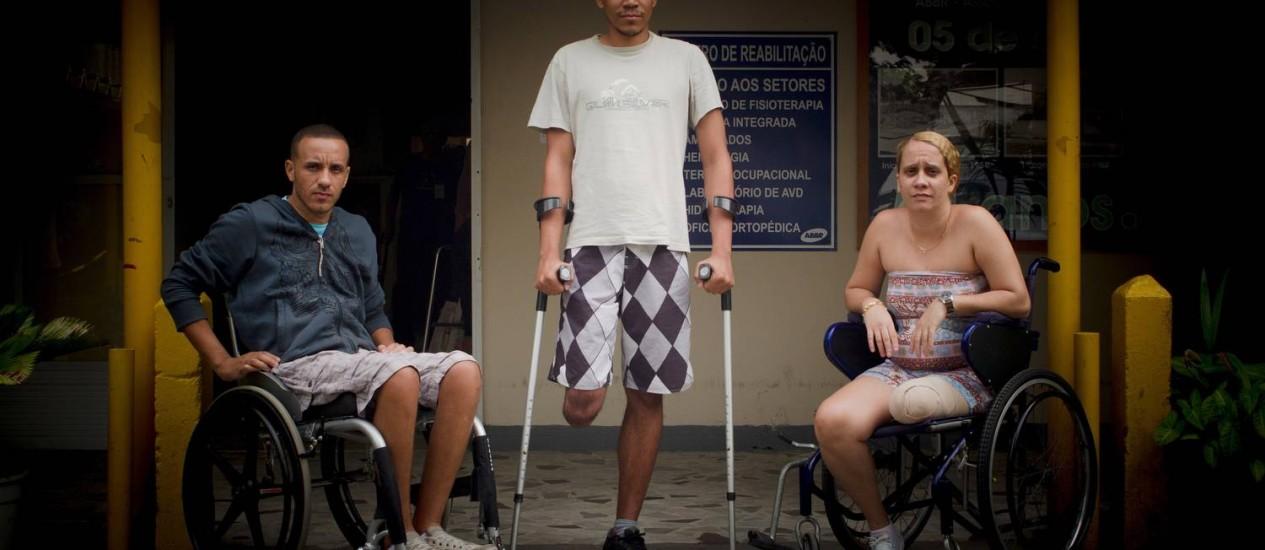 André, Luís e Lêda: vítimas do trânsito nas ruas cariocas Foto: Pedro Kirilos / O Globo