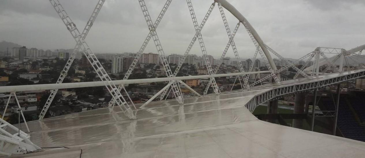 Cobertura do Engenhão terá de ser reformada Foto: Divulgação/Prefeitura