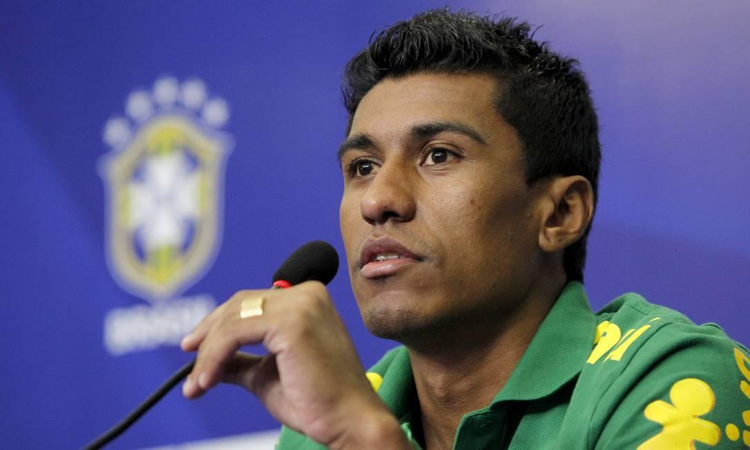 Paulinho volta ao time após contusão Foto: Ivo Gonzalez / O Globo
