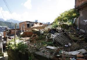 Prefeitura de Teresópolis demoliu 12 casas, mas não retirou os entulhos gerados Foto: Eduardo Naddar