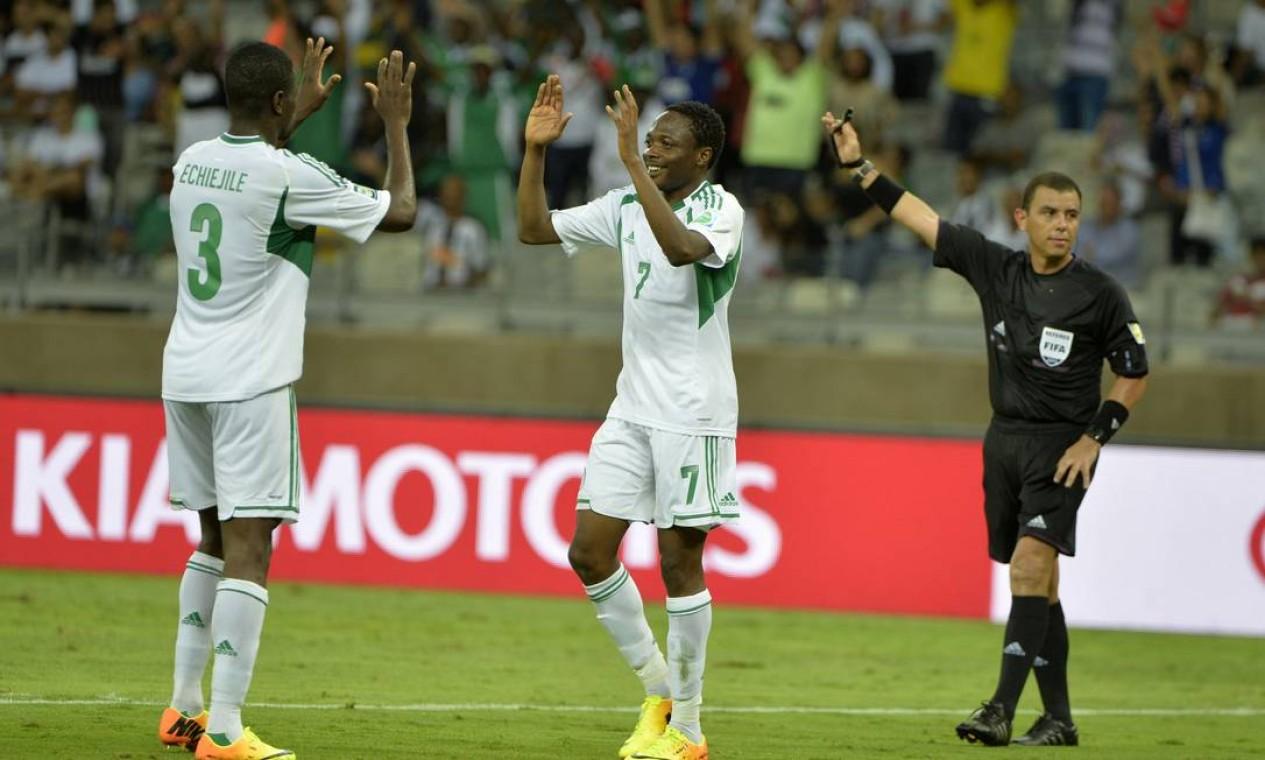 Aos 33 minutos do segundo tempo, Echiejile marcou o sexto gol da Nigéria Foto: Eugenio Savio / AP