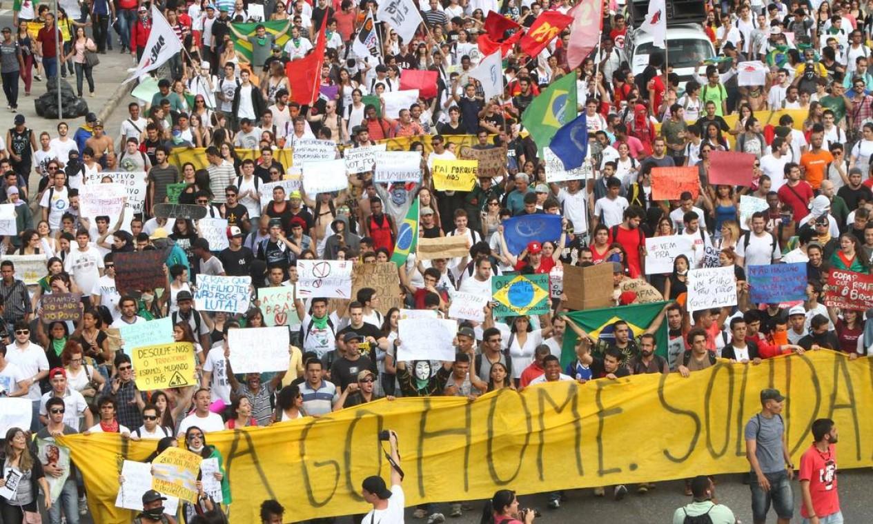 Protesto toma conta da Praça Sete, no Centro de Belo Horizonte Foto: Denilton Dias / O Tempo