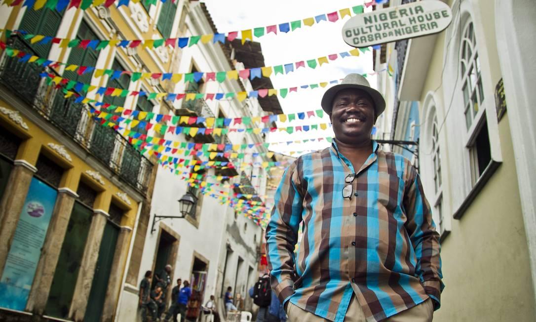 ES LOCAL Rio de Janeiro, RJ 15/06/2013 Copa das Confederações 2013 - Mojeed Oyewo, Coordenador da Casa da Nigéria, no Pelourinho, Salvador. Foto Guito Moreto / Agência O Globo Foto: Guito Moreto / Agência O Globo