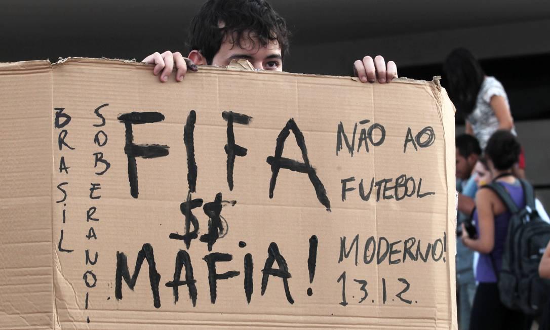 Protestos em Brasília também são contra a Fifa Givaldo Barbosa / Agência O Globo