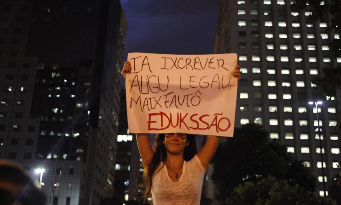 Protesto por educação de qualidade no país, no Rio Pedro Kirilos / Agência O Globo
