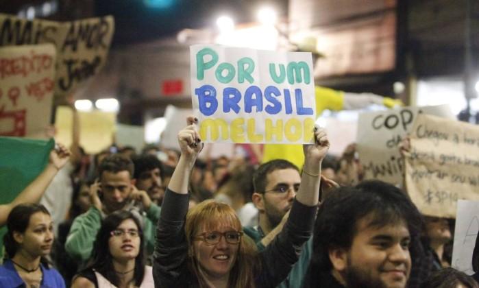 """Manifestação em São Paulo, """"por um Brasil melhor"""" ELIARIA ANDRADE / Agência O Globo"""
