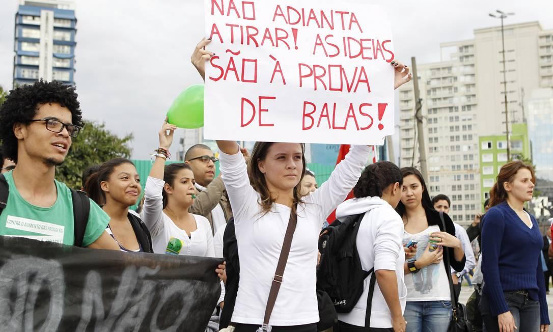 Protesto em São Paulo contra o preço das tarifas de transportes públicos Michel Filho / Agência O Globo 18/06/2013