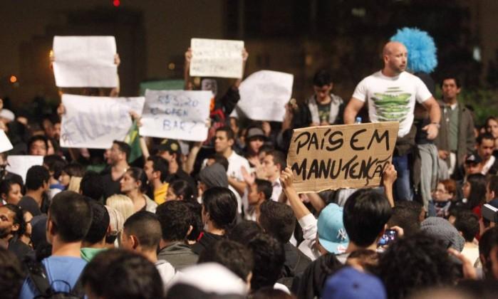 Manifestação contra o aumento da passagem de ônibus , em São Paulo ELIARIA ANDRADE / Agência O Globo