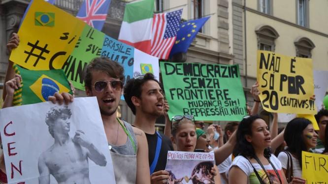 Manifestação em Florença em solidariedade aos protestos no Brasil Foto: Nathália Bariani