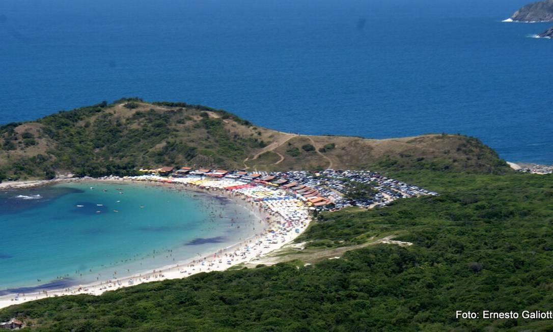 O trecho da orla de Cabo Frio que vai ser revitalizado: estacionamento ficará a dois quilômetros Foto: Ernesto Galiotto
