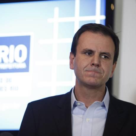 Eduardo Paes condena vandalismo e faz balanço de estragos no Centro Foto: Marcelo Carnaval / O Globo