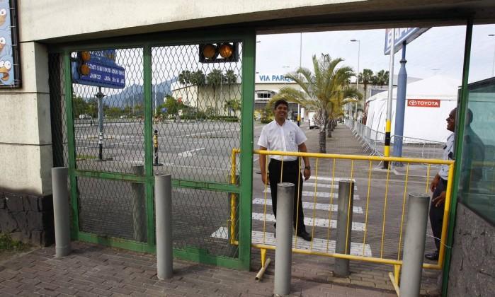Shoppings fecharam as portas mais cedo por medida de segurança Pablo Jacob / Agência O Globo