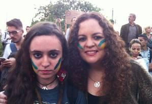 A advogada Ana Martha Lustosa, ex- cara pintada, 42 anos, e a filha, Heloisa, de 17 anos Foto: Terceiro / Arquivo Pessoal