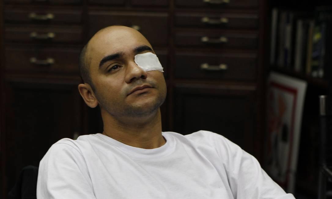 O fotógrafo Sérgio Andrade foi ferido enquanto trabalhava Foto: Michel Filho / Michel Filho