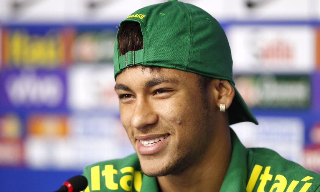 Brincos também costumam incrementar as produções de jogador do Barcelona Ivo Gonzalez / Agência O Globo