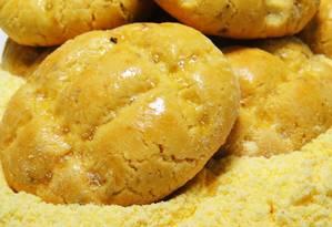 Cavaca de fubá de milho. Alimentos devem trazer nos rótulos o símbolo T amarelo e a informação da espécie doadora dos genes Foto: O Globo