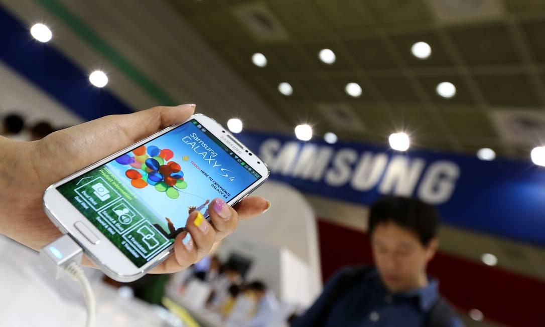 Juiz afirma que Apple não foi persuasiva e inclusão prejudicaria a Samsung Foto: SeongJoon Cho/Bloomberg