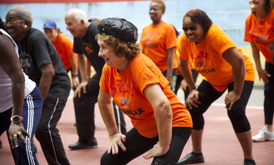 Dança moderna dá mais disposição a idosos - Jornal O Globo