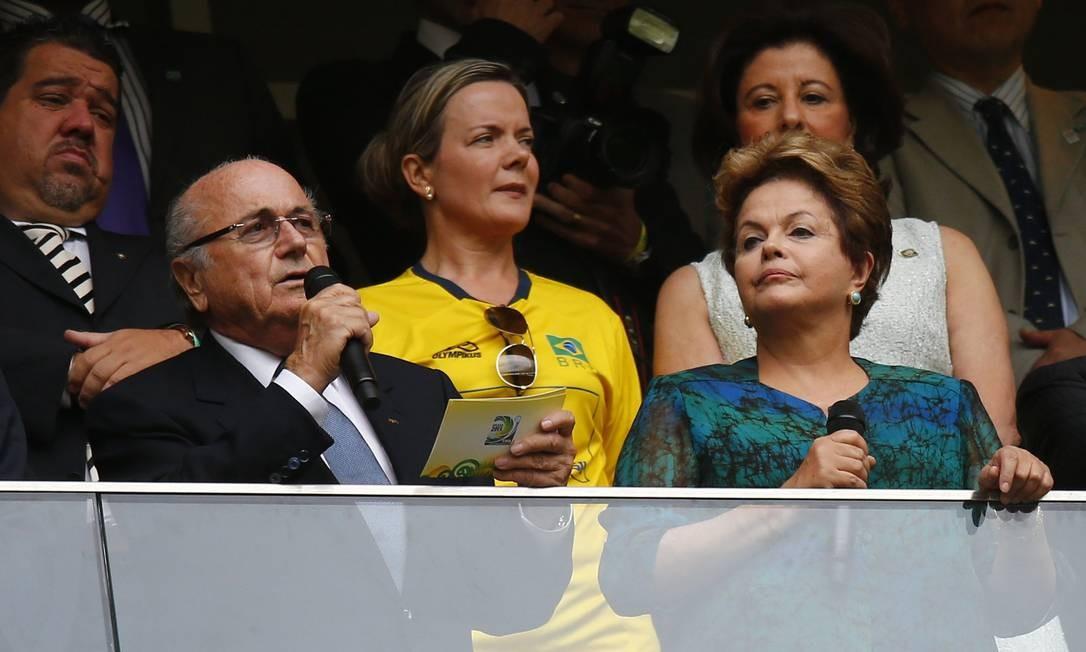 Constrangimento: Dilma foi vaiada na cerimônia de abertura da Copa das Confederações Foto: REUTERS