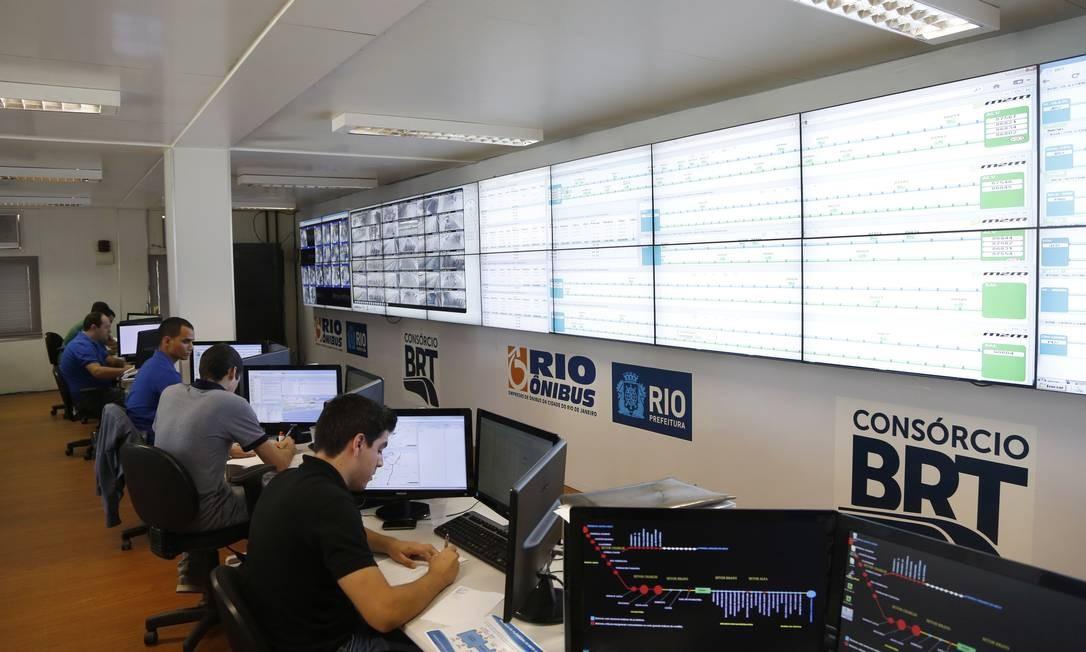 O Centro de Controle Operacional do BRT Transoeste, na Barra da Tijuca: sistema reúne empresas que já atuam em outros consórcios Foto: Fabio Rossi / O Globo