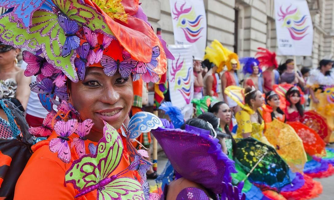 Membros da parada gay de Londres festejam marcha neste sábado Foto: WILL OLIVER / AFP