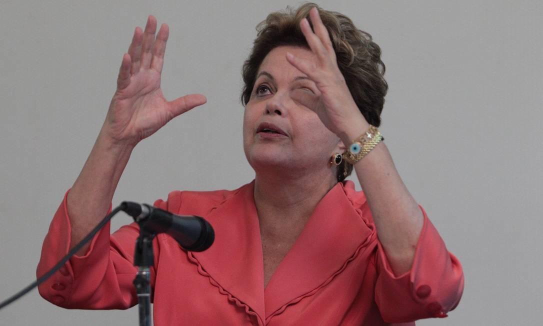 Presidente Dilma Rousseff dá entrevista coletiva em Brasília Foto: André Coelho / O Globo