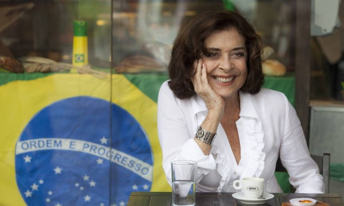 Dois cafés e a conta com Betty Faria Foto: Daniela Dacorso / Agência O Globo