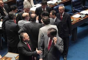 Senadores após aprovação de projeto da Ficha Limpa para cargos comissionados Foto: Givaldo Barbosa / Agência O Globo