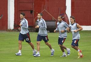 Rafael Sóbis, Bruno, Carlinhos e Diguinho no treino nas Laranjeiras Foto: Alexandre Cassiano / Agência O Globo