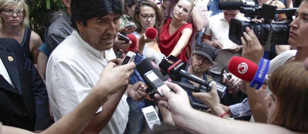 Presidente boliviano Evo Morales no aeroporto internacional de Viena Foto: Patrick Domingo / AFP