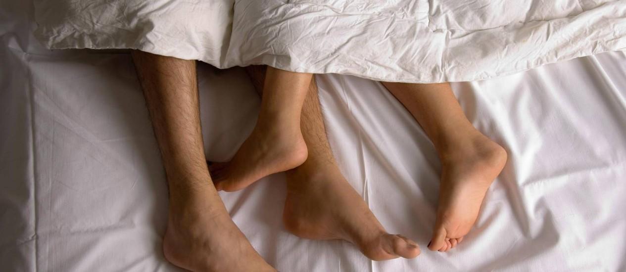 Casal na cama: pesquisa indica que sexo regular faz bem para saúde Foto: Divulgação