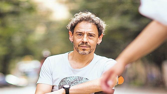 Aos 48 anos, Emílio de Mello tem duas peças para montar até 2014 Foto: Agência O Globo / Fábio Seixo