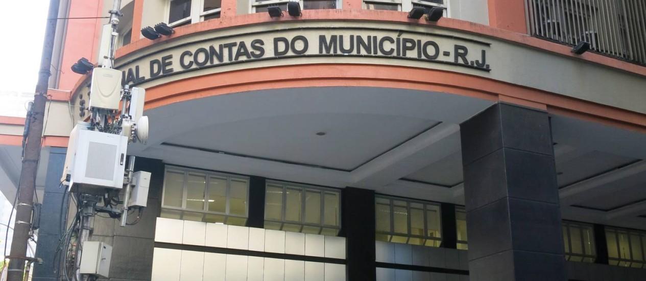 O prédio do Tribunal de Contas do Município: conselheiros têm salário de R$ 25 mil e carro - Foto: Fábio Vasconcellos