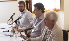 Coletiva de imprensa de encerramento da Flip com mesa formada por (da esquerda para a direita) Miguel Conde, Mauro Munhoz e Liz Calder Foto: Leo Martins / Agência O Globo