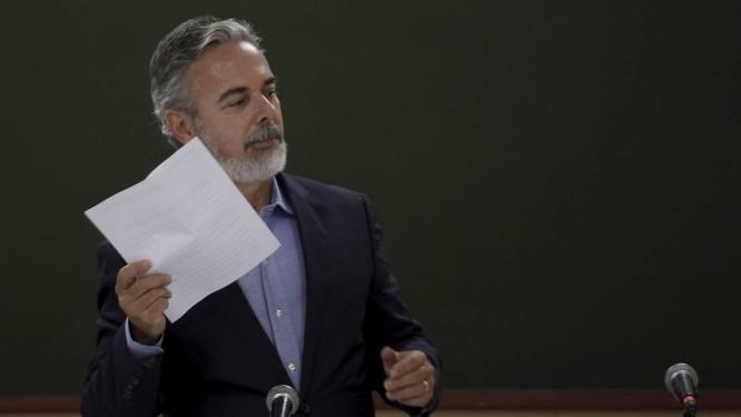 O chanceler Antônio Patriota durante coletiva de imprensa na Feira Literária Internacional de Paraty, no domingo Foto: Gabriel de Paiva / Agência O Globo