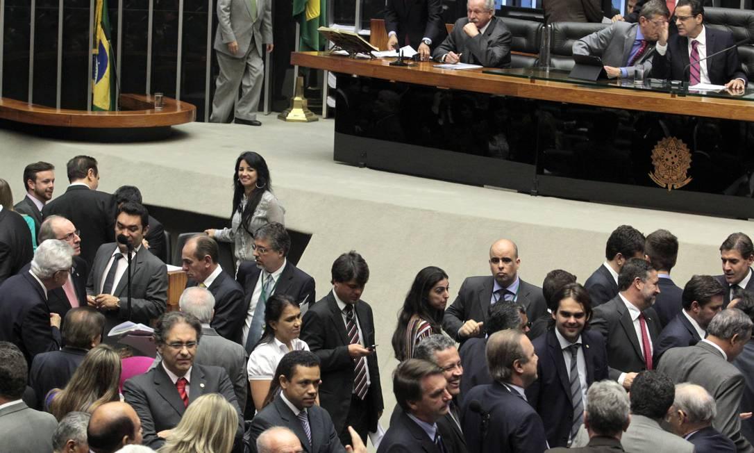 Câmara dos Deputados durante sessão plenária nesta terça-feira Foto: Givaldo Barbosa / Agência O Globo