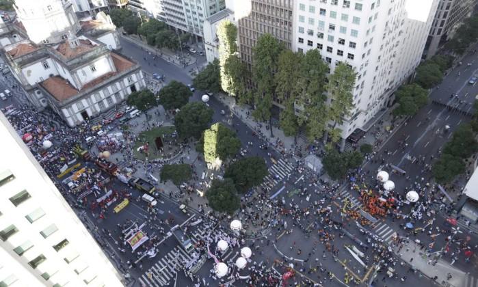 Ato desta quinta foi convocado por centrais sindicais Fábio Seixo / Agência O Globo