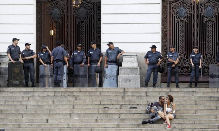 Clima na Cinelândia antes da chegada dos manifestantes Guito Moreto / Agência O Globo