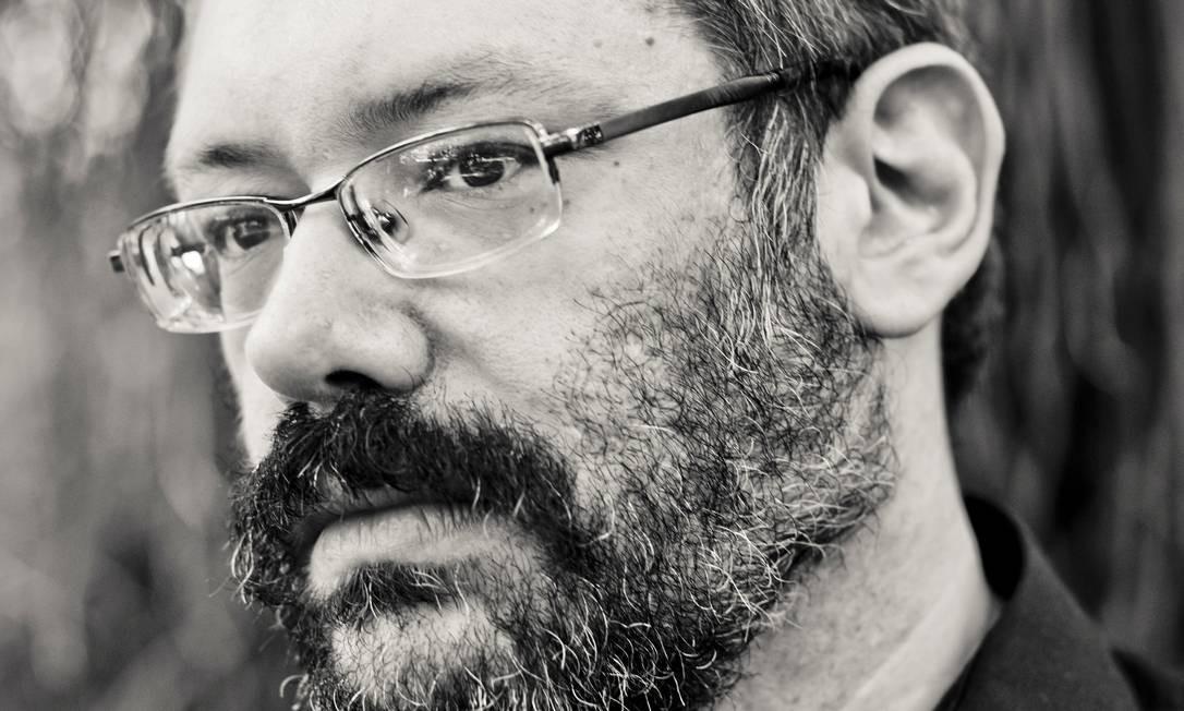 À margem: núcleo ocultista do romance foi inspirado pelas próprias vivências de Daniel Pellizzari Foto: Renato Parada / Divulgação