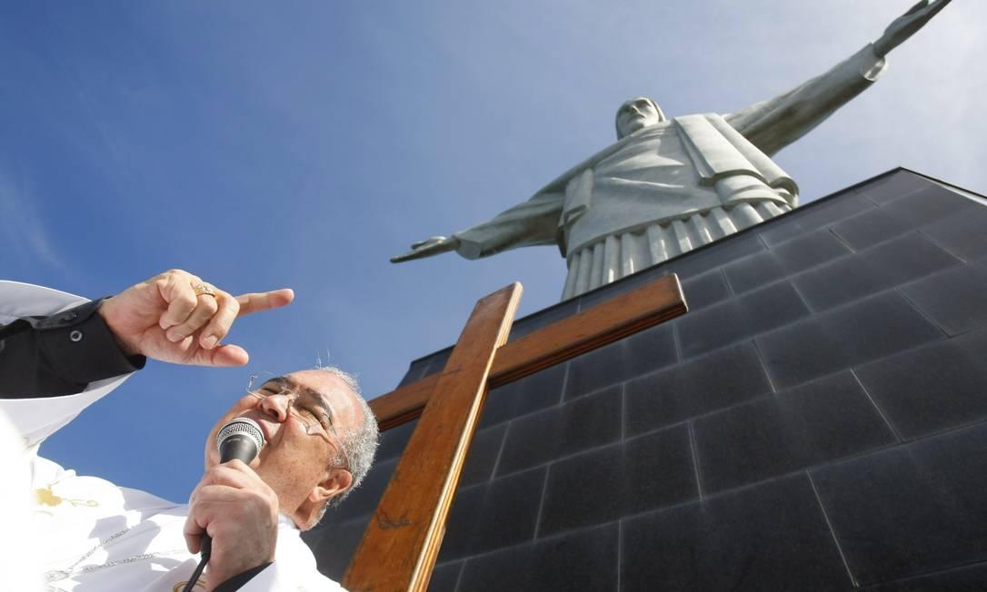 Dom Orani celebra missa no Corcovado Foto: Marcelo Carnaval / Agência O Globo
